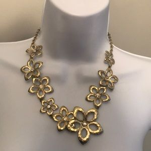 Women's Gold Flower Fashion Necklace OS